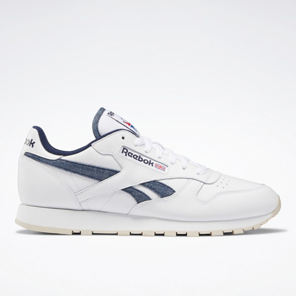 Reebok Classic Leather Men's Running Shoes in White / Vector Navy