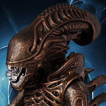 "Xenomorph Bronze 18"" Aliens Figure"