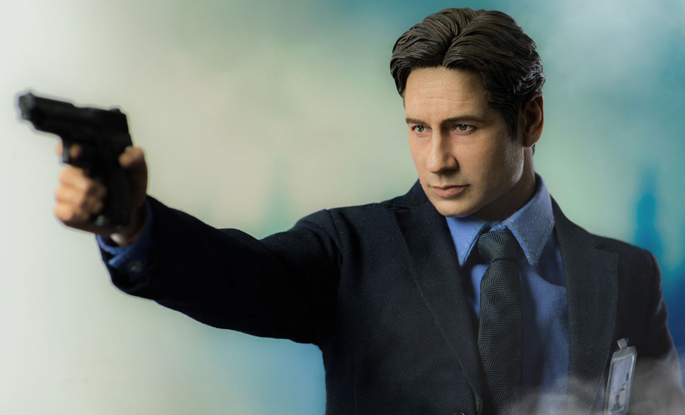 Agent Mulder X-Files Sixth Scale Figure