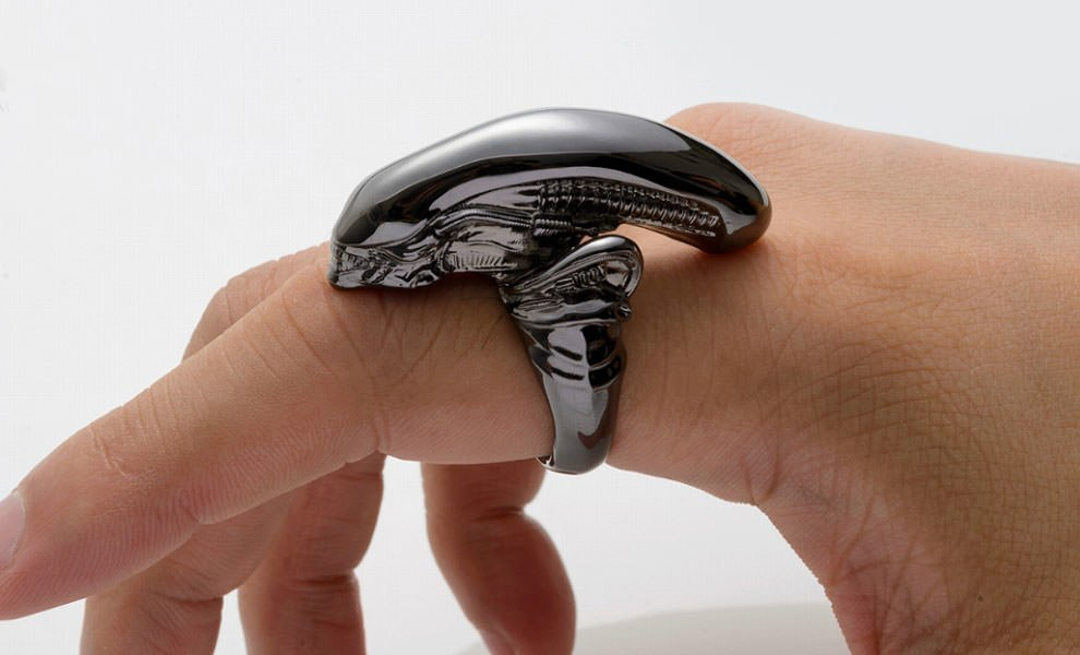 Alien Big Chap Silver Ring Black Chrome Version Alien Jewelry