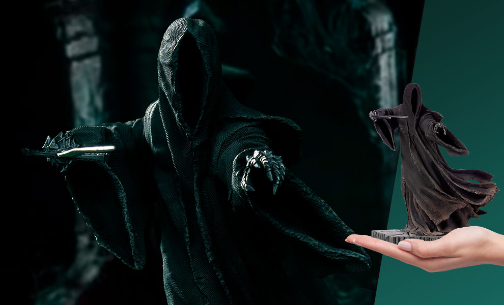 """Attacking"" Nazgul The Lord of the Rings Statue"