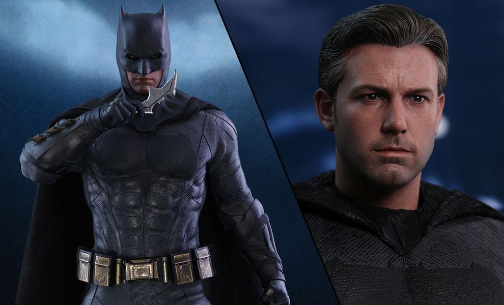 Batman Deluxe DC Comics Sixth Scale Figure