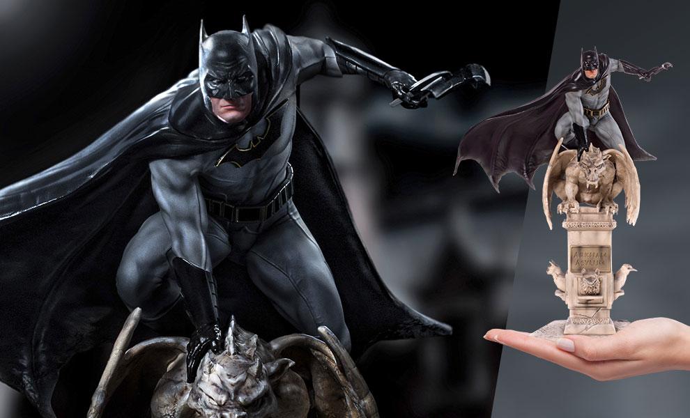Batman Deluxe DC Comics Statue
