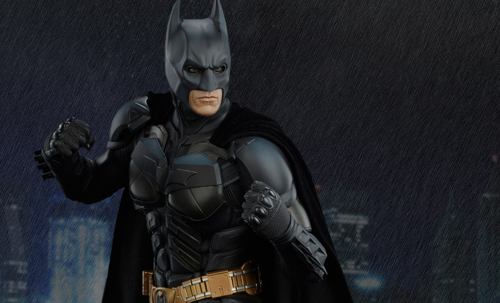 Batman The Dark Knight DC Comics Premium Format™ Figure