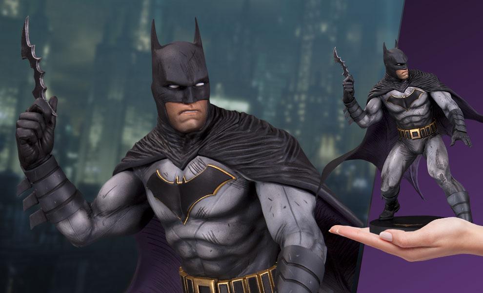 Batman DC Comics Statue - DC Direct