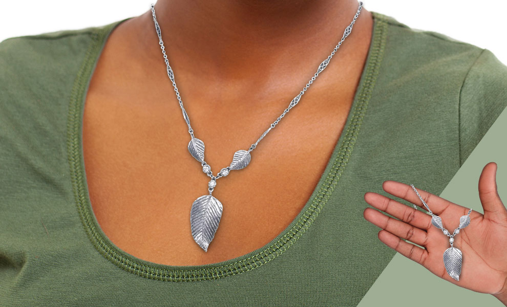 Elven Realms 3 Leaf Necklace: Lothlorien™ The Lord of the Rings Jewelry
