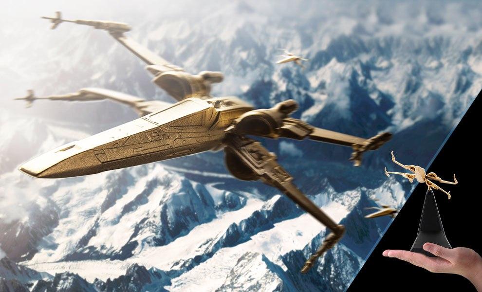 Gilt X-Wing Starfighter Star Wars Scaled Replica