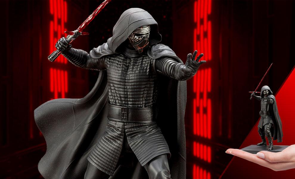 Kylo Ren Star Wars Statue
