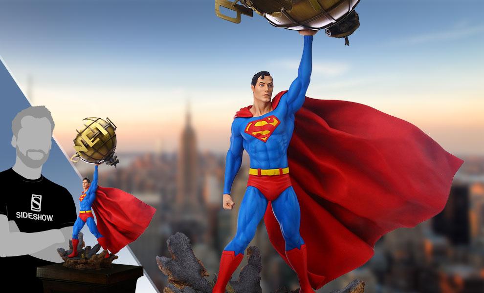 Superman DC Comics Statue - Metropolis Daily Planet
