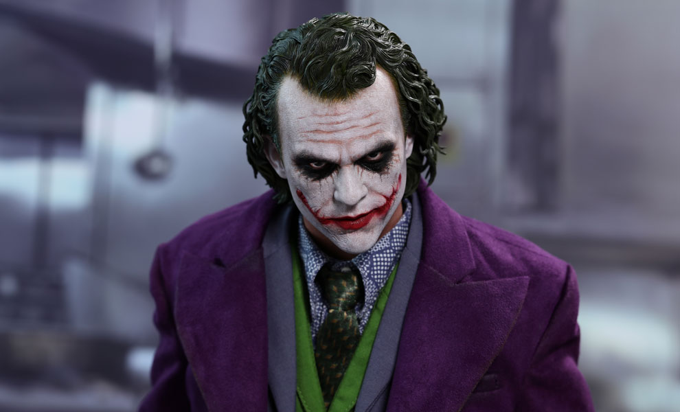 The Joker DC Comics Quarter Scale Figure