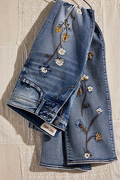 """Driftwood Jeans """"Embroidered Kelly"""""""