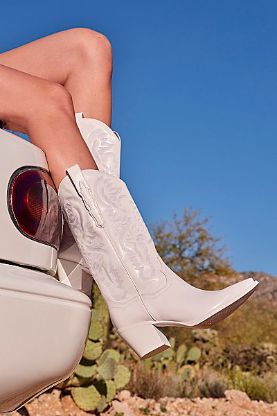 "Jeffrey Campbell Western Boots ""Dagget"""