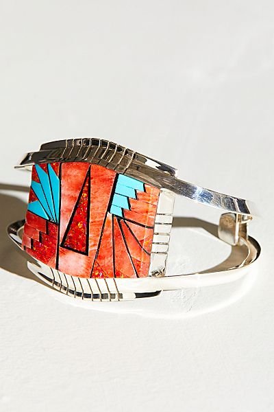 "Dineh Cuff Bracelet ""Red Mountain"""