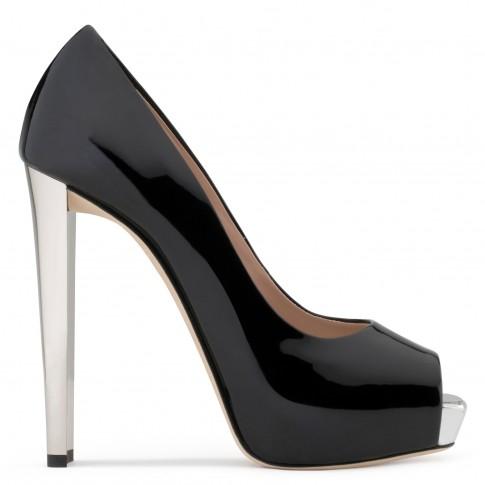 Giuseppe Zanotti Pumps SELINA Black Women's Shoes