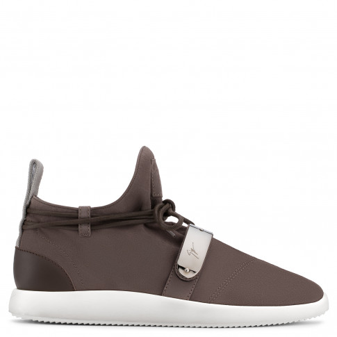 Giuseppe Zanotti - HAYDEN - Brown Suede Men's Sneakers With Metal Accessory