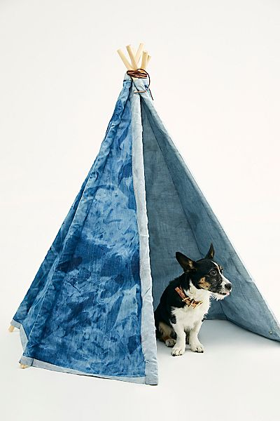 "Beast + Babe Tent ""Casual Friday Hideout"""