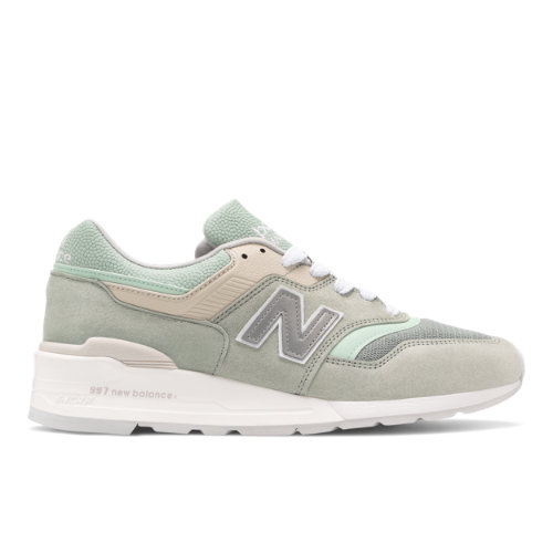 New Balance Made in USA 997 Men's Lifestyle Shoes - Green / White (M997SOB)