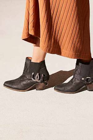 "Understated Leather Ankle Boots ""Lady Luck"" Western Shoes"