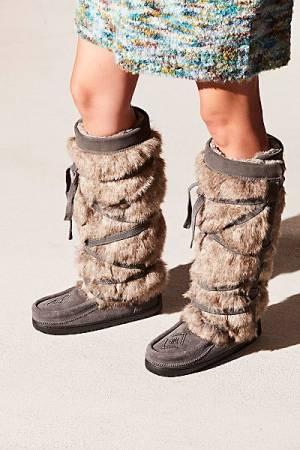 "Manitobah Mukluk Tall Boots ""Faux Fur Wrap"""