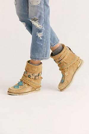 """El Vaquero Moccasin Boots """"Love Worn"""""""