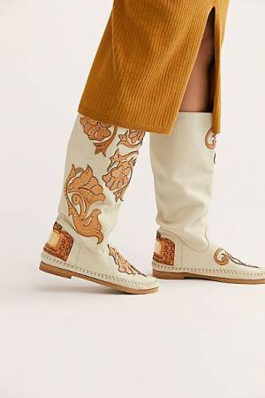 "Karma of Charme Moccasin Boots ""Ivy"""