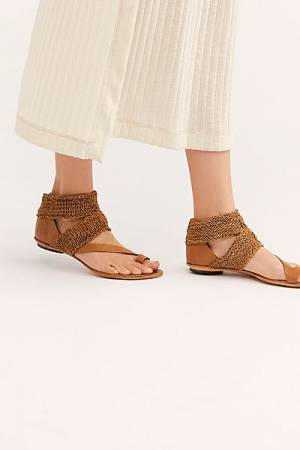 "Cydwoq Sandals ""Weekend Getaway"""