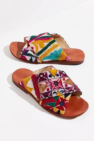 "MOMO Boho Flat Sandals ""Sunny Days Slip-Ons"""