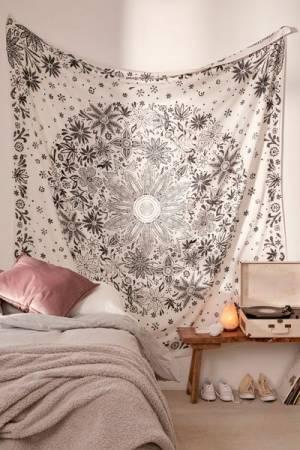 Ioana Daisy Medallion Tapestry