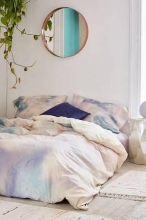 "Chelsea Victoria Duvet Cover ""Unicorn Marble"""
