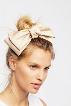 Pin & Tube Silk Beige Bow Barrette