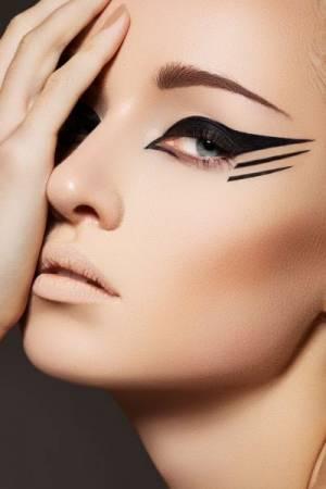 """Luxury Eye Makeup & Cosmetics """"Eye-Konic"""""""