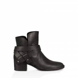 UGG Women's Elysian Boot Leather
