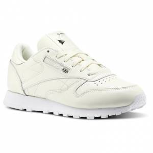 Reebok X Face Stockholm Classic Leather Women's Retro Running Shoes in Hazy White