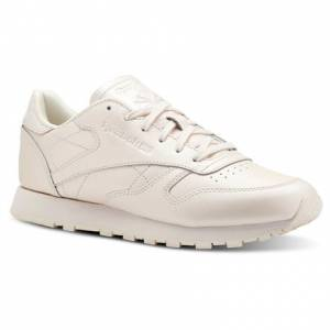 Reebok Classic Leather Women's Retro Running, Lifestyle Shoes in Pale Pink