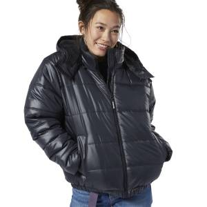 Reebok Classics Women's Lifestyle Padded Jacket in Black