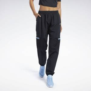 Reebok Classics Women's Pocket Pants in Black