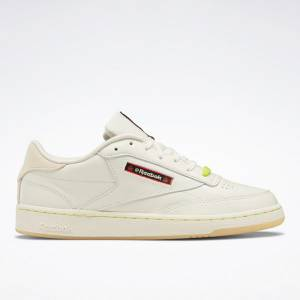 Reebok Unisex Hot Ones Club C 85 Court Shoes in White