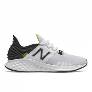 New Balance Fresh Foam Roav Men's Running Shoes - White (MROAVLW)