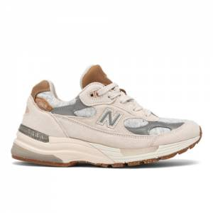 New Balance Made In USA 992 Women's Lifestyle Shoes - Brown (W992FN)