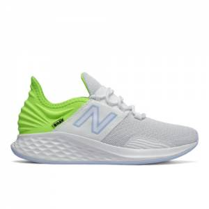 New Balance Fresh Foam Roav Women's Running Shoes - White / Green (WROAVCW)