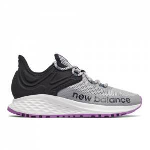 New Balance Fresh Foam Roav Trail Women's Running Shoes - Grey (WTROVRG)